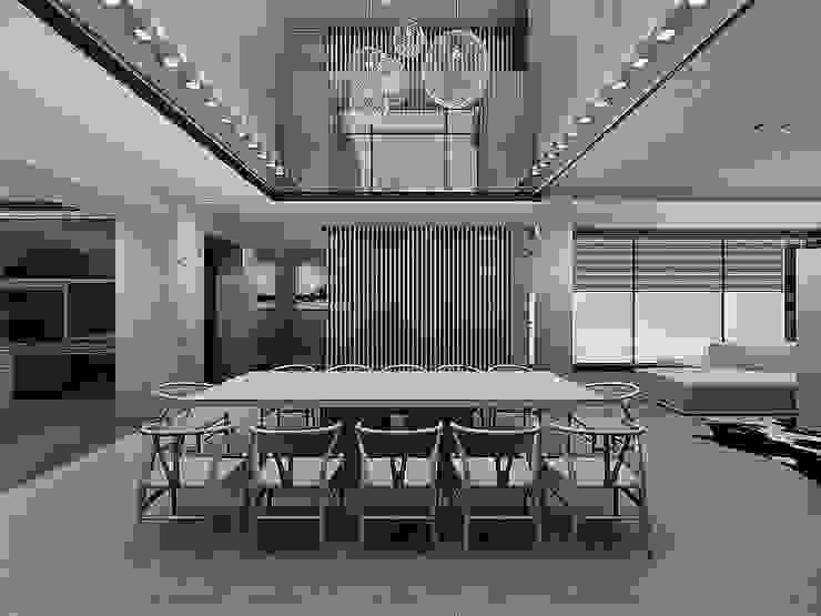 挑高的餐廳空間 根據 竹村空間 Zhucun Design 現代風