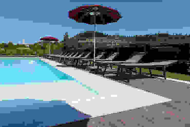 Quintarelli Pietre e Marmi Srl Mediterranean style pool Stone White