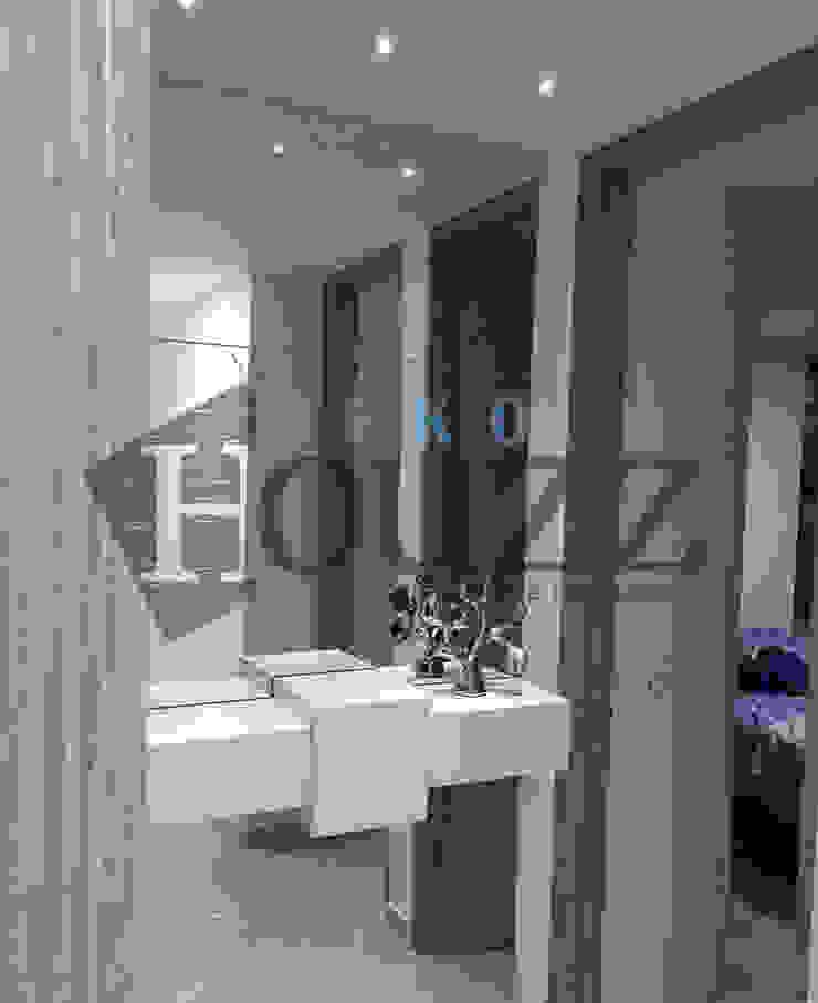 Ambientación de espacio apartamento de Diseño,carpintería y soluciones Moderno Vidrio