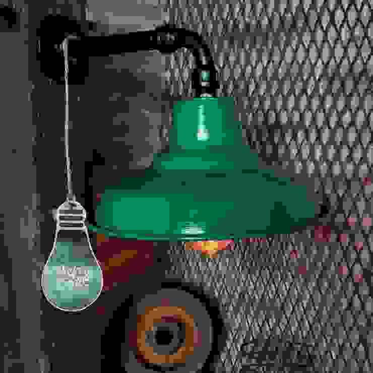 Lámpara Galponera De Pared Estilo Industrial Vintage Vieja Eddie:  de estilo industrial por Lamparas Vintage Vieja Eddie,Industrial Hierro/Acero