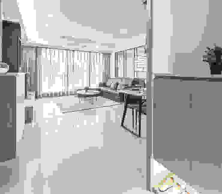 JIAN House 現代風玄關、走廊與階梯 根據 元作空間設計 現代風