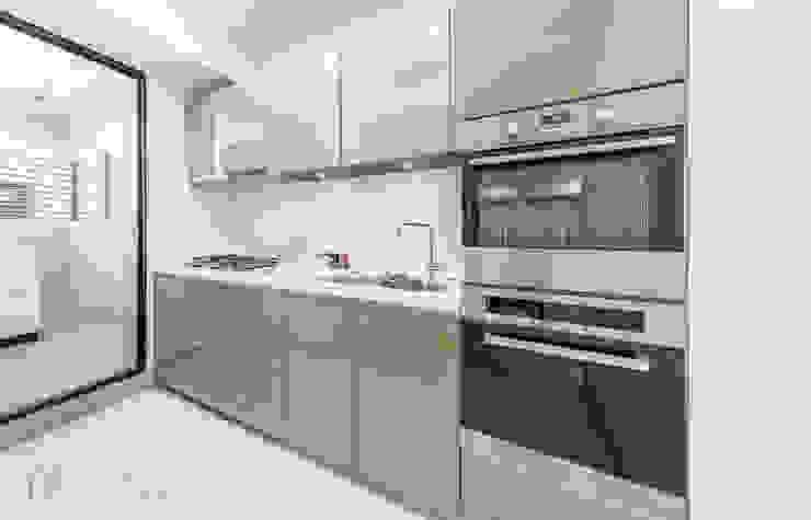 JIAN House 現代廚房設計點子、靈感&圖片 根據 元作空間設計 現代風