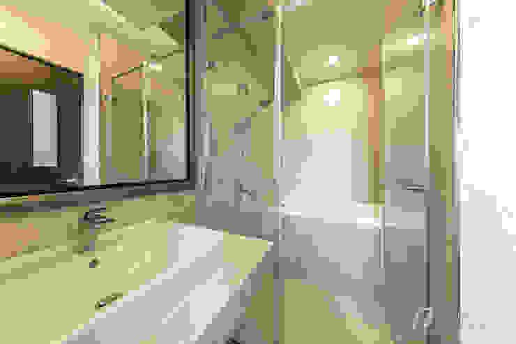 JIAN House 現代浴室設計點子、靈感&圖片 根據 元作空間設計 現代風