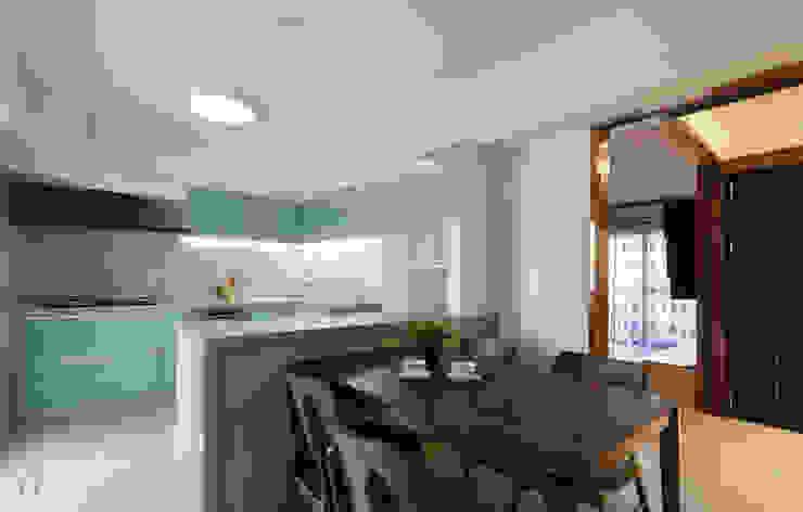 WANG House 元作空間設計 現代廚房設計點子、靈感&圖片