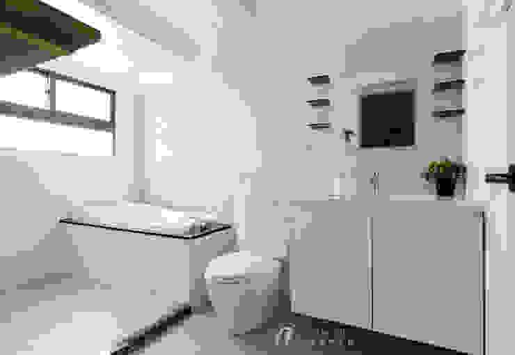 WANG House 元作空間設計 現代浴室設計點子、靈感&圖片