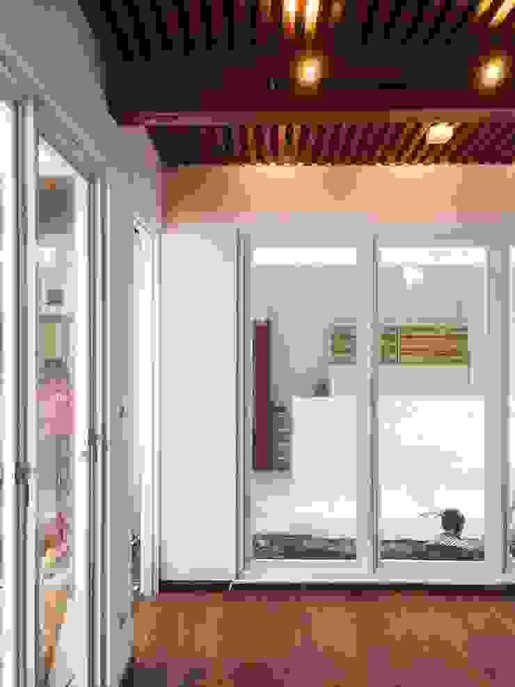 Modern style bedroom by Gubah Ruang Modern Bricks