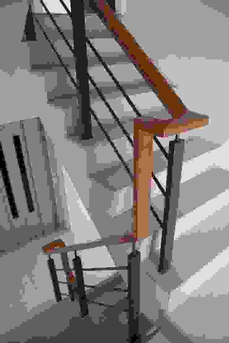 室內電梯與樓梯 by 勻境設計 Unispace Designs Modern