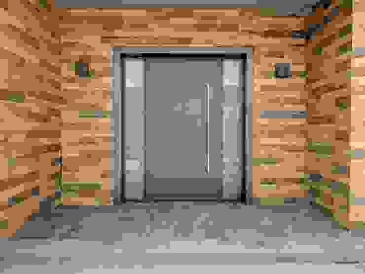 Pasillos, vestíbulos y escaleras de estilo moderno de FN Design Moderno