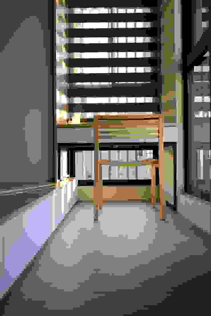 林口藝樹家 蔡府-清水模-沉靜 九木空間設計 臥室 複合木地板