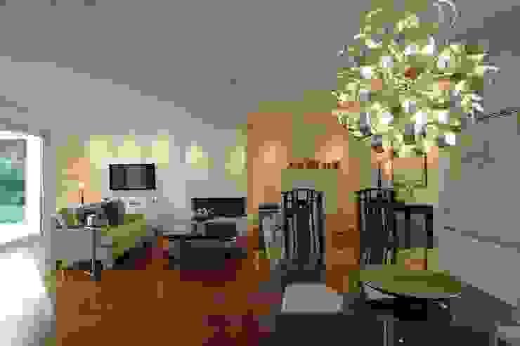 schüller.innenarchitektur Modern Living Room Wood Brown