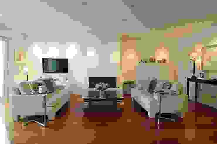 schüller.innenarchitektur Living room Iron/Steel White