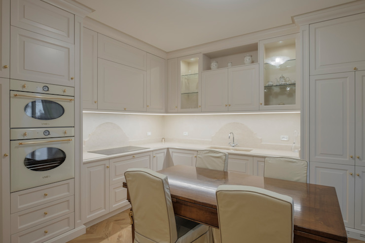 Quadrifamiliare <q>IL QUADRIFOGLIO</q> – Appartamento stile CLASSICO Cucina in stile classico di 2P COSTRUZIONI srl Classico