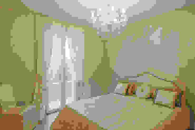 Quadrifamiliare <q>IL QUADRIFOGLIO</q> – Appartamento stile CLASSICO Camera da letto in stile classico di 2P COSTRUZIONI srl Classico