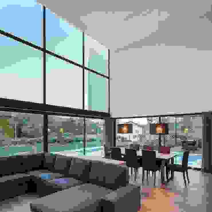 Gafarim House Ruang Keluarga Modern Oleh Tiago do Vale Arquitectos Modern Kayu Wood effect