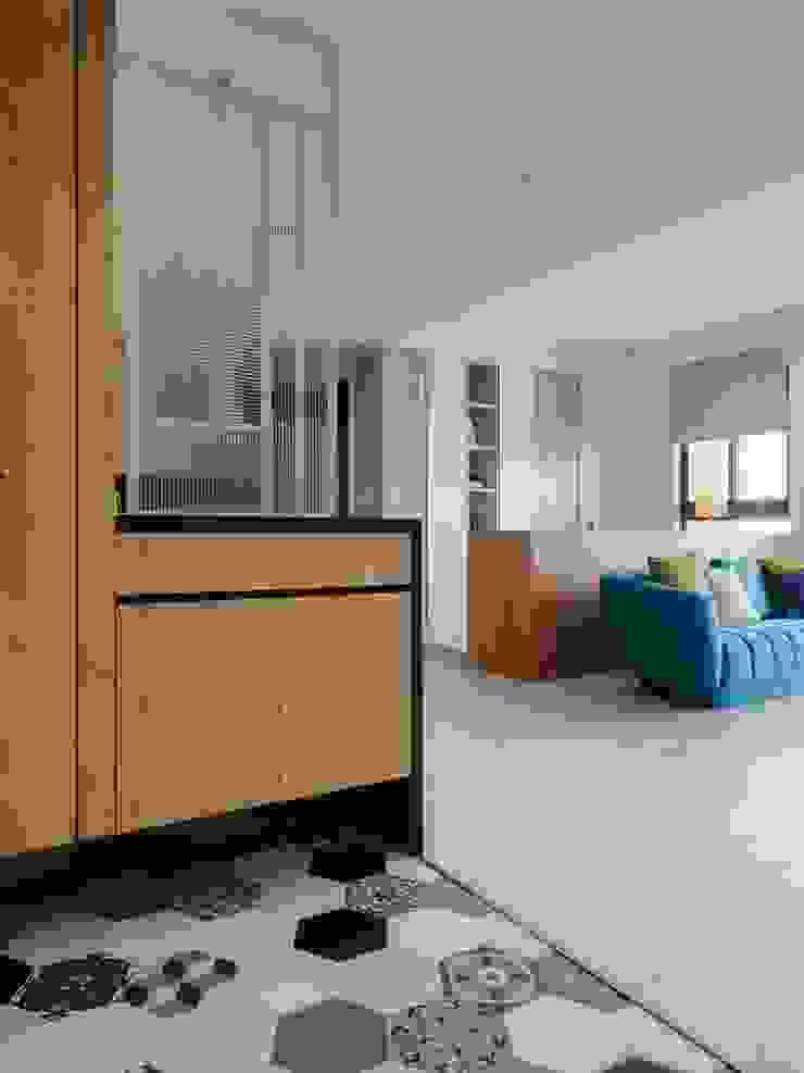 中壢夏宅 斯堪的納維亞風格的走廊,走廊和樓梯 根據 築川設計 北歐風