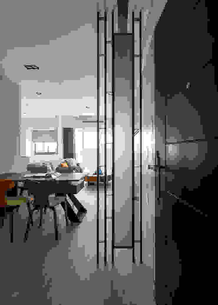 悠 ‧ 映 斯堪的納維亞風格的走廊,走廊和樓梯 根據 築川設計 北歐風