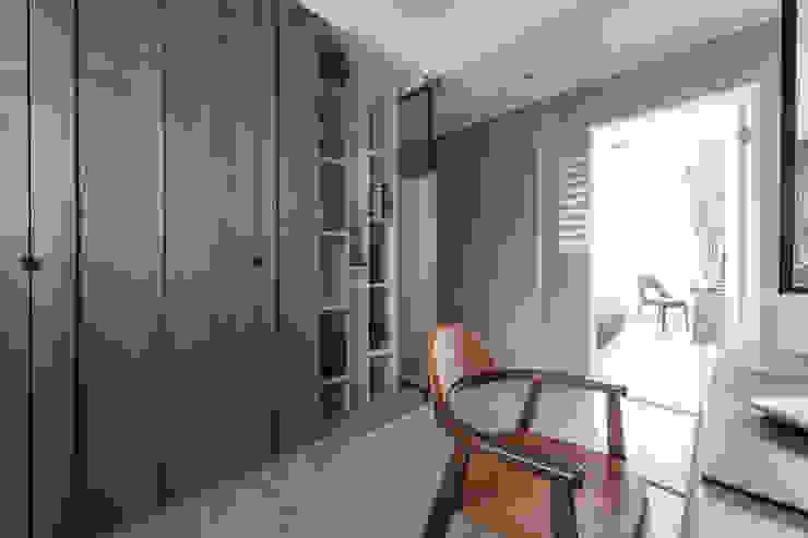 Estudios y oficinas estilo escandinavo de 築川設計 Escandinavo