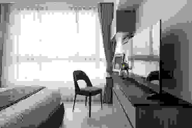 Dormitorios escandinavos de 築川設計 Escandinavo
