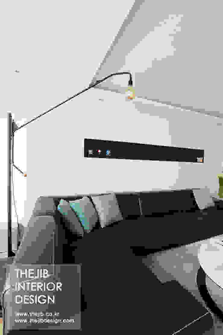 분당구 정자동 삼성 아데나루체 49평 아파트 인테리어 모던스타일 거실 by 더집디자인 (THEJIB DESIGN) 모던