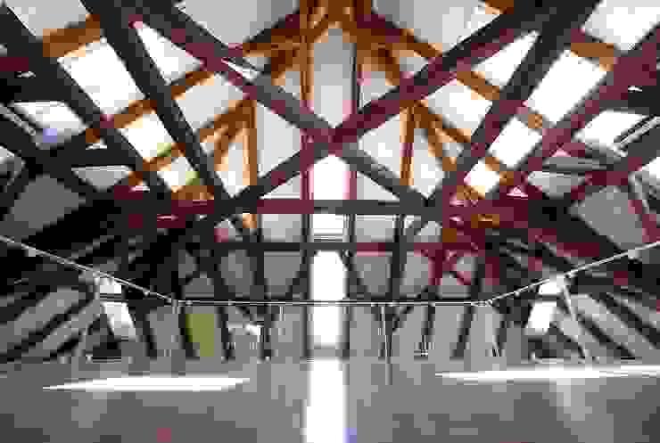 Gemeindebibliothek, Gemeindearchiv und Trauungssaal im alten Pfarrhaus in Pöcking von WSM ARCHITEKTEN Modern