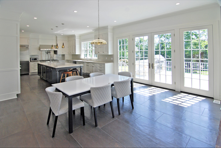 Custom Colonial Home, Scarsdale, NY by DeMotte Architects Colonial style kitchen by DeMotte Architects, P.C. Colonial