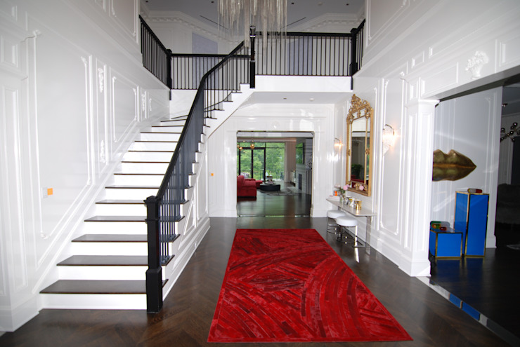 Custom Colonial, Greenwich, CT by DeMotte Architects Colonial style corridor, hallway& stairs by DeMotte Architects, P.C. Colonial