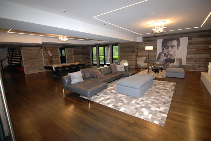 Custom Colonial, Greenwich, CT by DeMotte Architects Colonial style living room by DeMotte Architects, P.C. Colonial