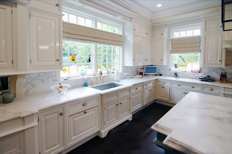 Georgian Colonial, Greenwich, CT by DeMotte Architects Classic style kitchen by DeMotte Architects, P.C. Classic