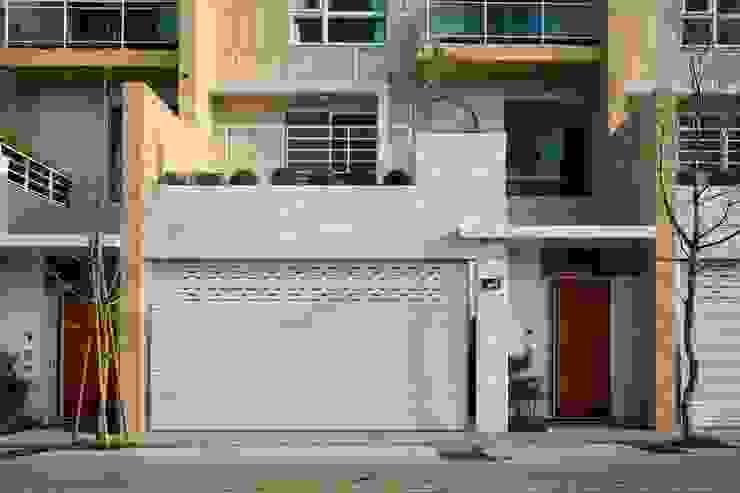 Casas modernas por 大桓設計顧問有限公司 Moderno Mármore