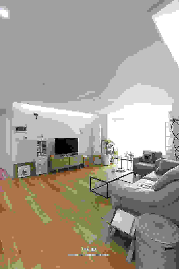 송파구 장지동 파인타운 33평 아파트 인테리어 스칸디나비아 거실 by 더집디자인 (THEJIB DESIGN) 북유럽