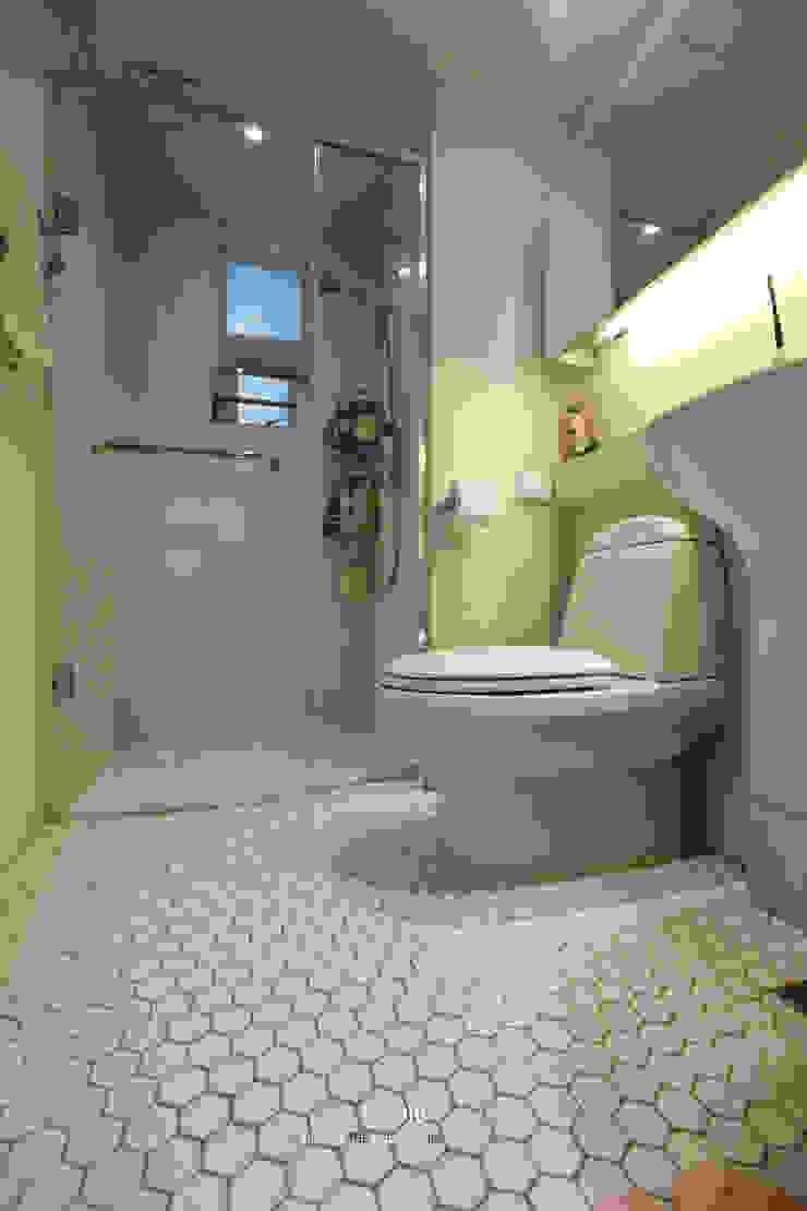 송파구 장지동 파인타운 33평 아파트 인테리어 스칸디나비아 욕실 by 더집디자인 (THEJIB DESIGN) 북유럽