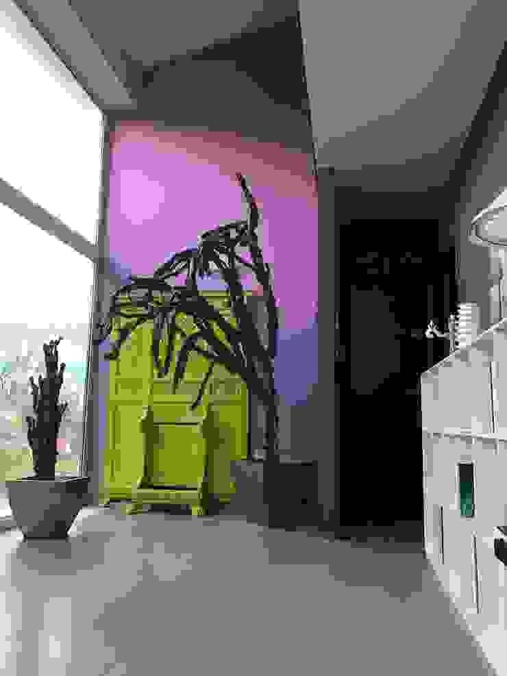 Hal MEF Architect Eclectische gangen, hallen & trappenhuizen Hout Roze