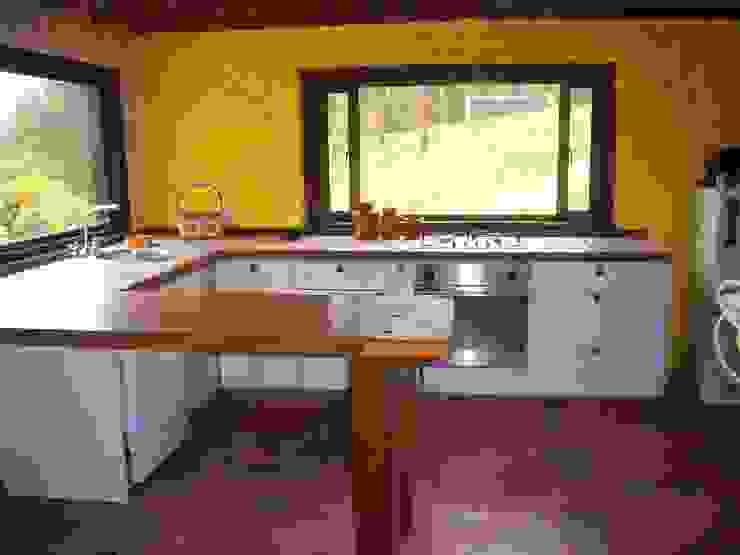 Cocina Sopó Cocinas de estilo rústico de Insitu Hogar Rústico