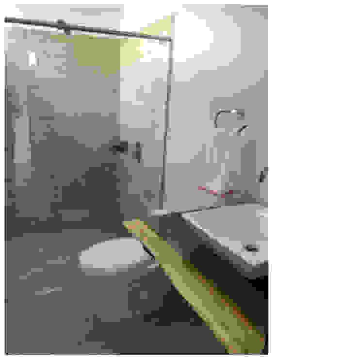 Casa Campestre Mixta Baños de estilo moderno de Arcor Constructores Moderno