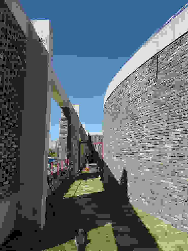 Enchanter( 앙샹떼)_풍동 근린생활시설 by 건축사사무소 이가소 / igaso architects & planners 모던