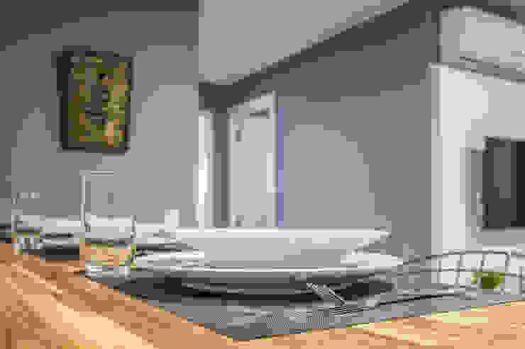 Apartamento por Samantha Sato Designer de Interiores Moderno MDF