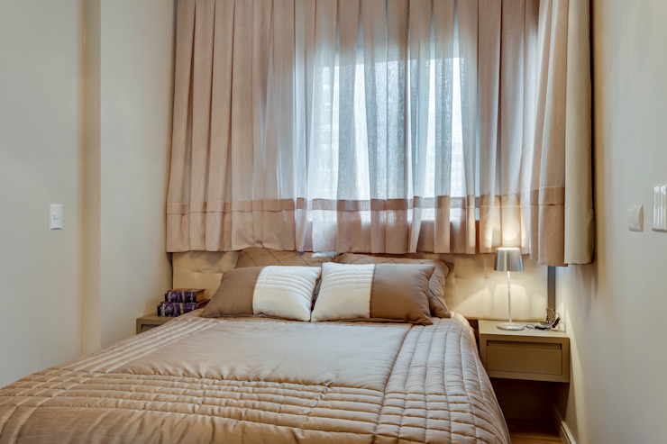 Studio por Samantha Sato Designer de Interiores Minimalista Madeira Efeito de madeira