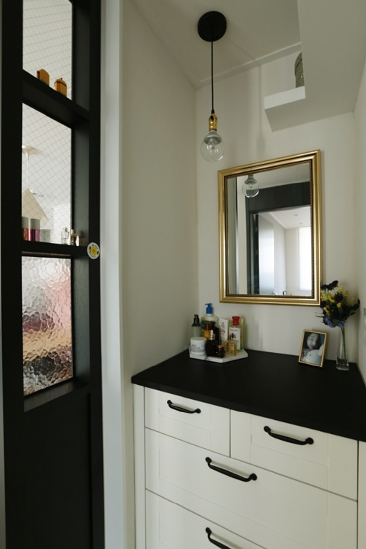 공간구성 알차게 꾸민 작은집인테리어_월계동 삼호아파트 모던스타일 드레싱 룸 by 더집디자인 (THEJIB DESIGN) 모던