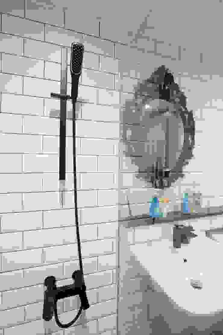 공간구성 알차게 꾸민 작은집인테리어_월계동 삼호아파트 모던스타일 욕실 by 더집디자인 (THEJIB DESIGN) 모던