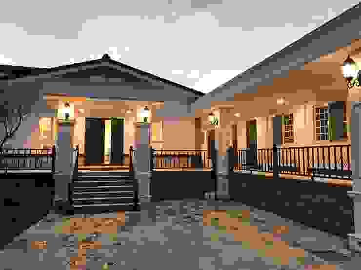 Scandinavian style houses by 築地岩移動宅 Scandinavian