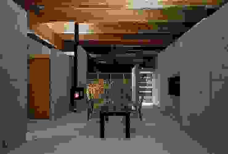 リビング: 藤原・室 建築設計事務所が手掛けたリビングです。,モダン