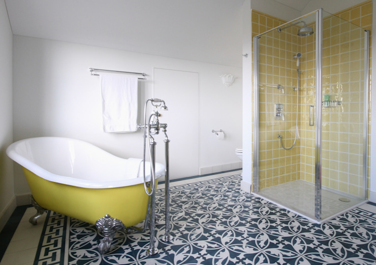 Traditional Bathrooms GmbH Kamar Mandi Klasik Besi/Baja Yellow