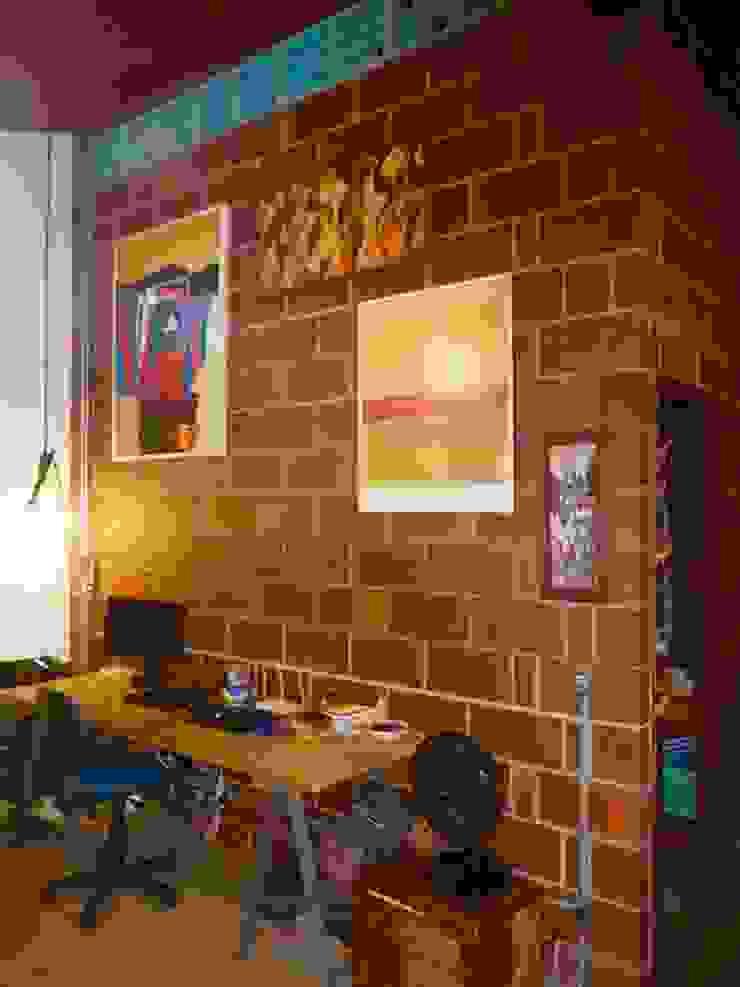 Salon rustique par Arquitetura FPA Rustique