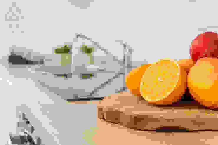 Home Staging apartamento alquiler turístico, Madrid. Byta Espacios Cocinas de estilo escandinavo