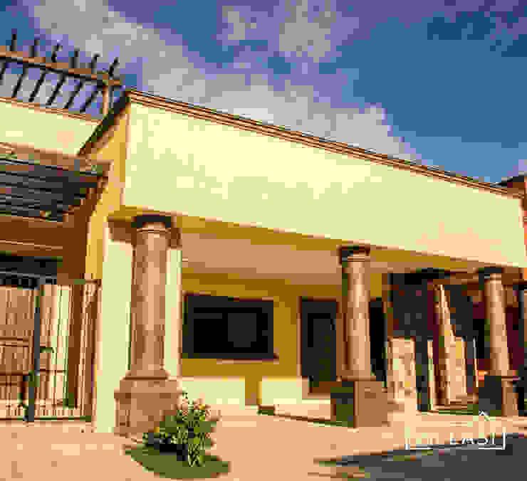 Fachada Casas rústicas de VillaSi Construcciones Rústico
