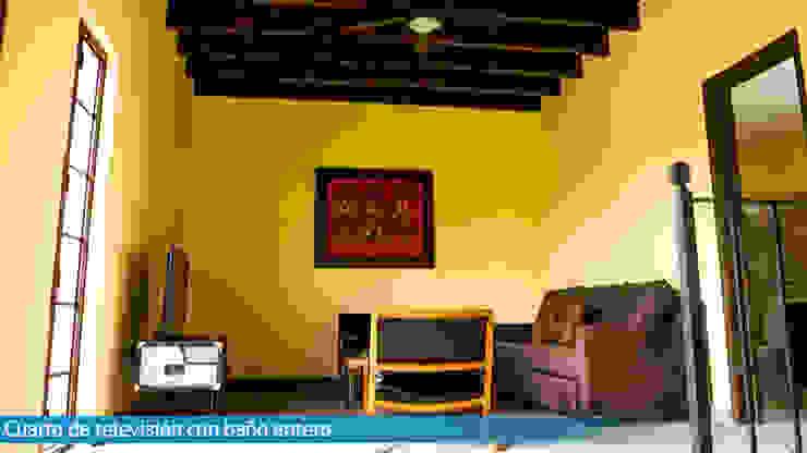 Sala de TV VillaSi Construcciones Estudios y oficinas rústicas