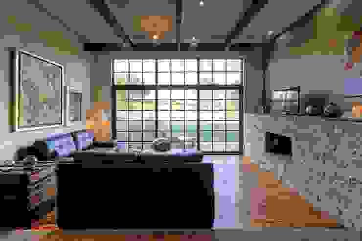 Modern living room by VillaSi Construcciones Modern