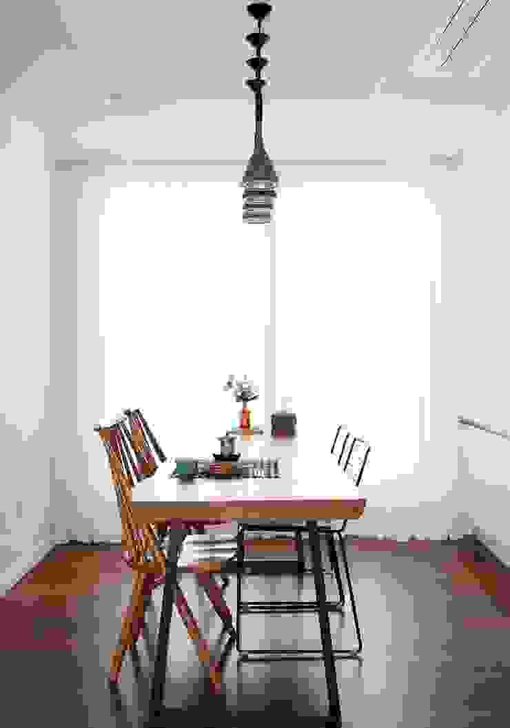 단순한 것이 아름답다_판교힐스테이트인테리어 모던스타일 다이닝 룸 by 더집디자인 (THEJIB DESIGN) 모던