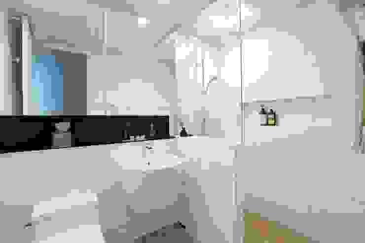단순한 것이 아름답다_판교힐스테이트인테리어 모던스타일 욕실 by 더집디자인 (THEJIB DESIGN) 모던