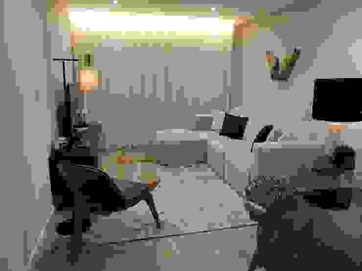 Carácter masculino: Salas de estar  por Alma Braguesa Furniture ,